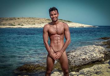 Www nude gay