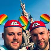 rencontre gay disneyland paris à Sevran